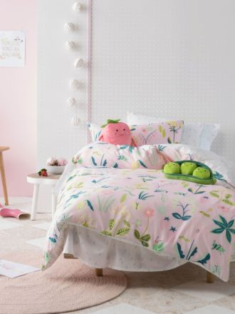Strawberry Fields Quilt Cover Set