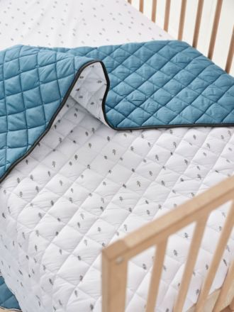 World Voyager Cot Coverlet